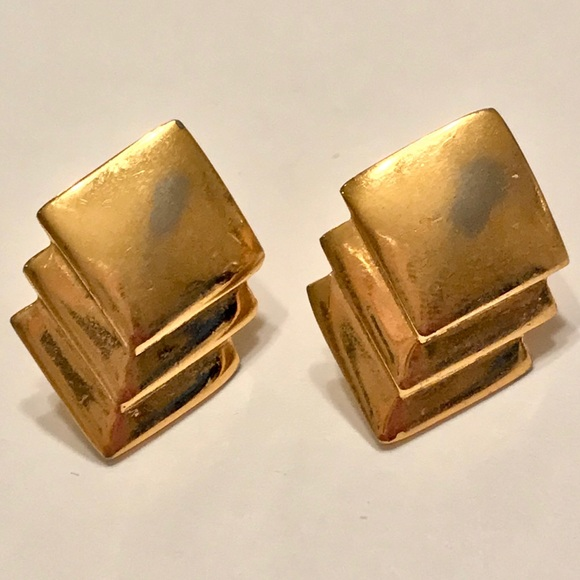 Jewelry - Vintage Gold Geometric Stud Earrings
